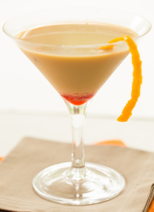 Spiced rum coco martini the drink kingsthe drink kings for Spiced rum drink recipes