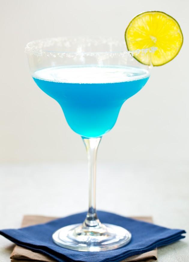 Blue margarita the drink kings for Cocktail margarita