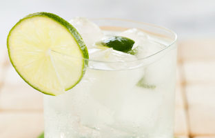 Gin & Tonic - classic recipe for a gin & tonic